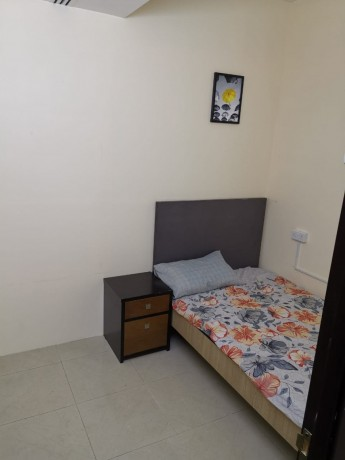 couples-rooms-with-attach-washroom-inclusive-all-cac-at-2000-in-bur-dubai-big-0